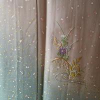 【夏・絽】縦絽裾暈しに蒔糊風と刺繍附下 5k89