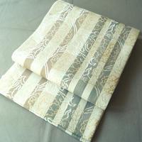 【ふくろ帯】生成り地に大胆な縞 金銀糸花唐草文 袋帯