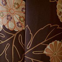 お取り置き中・【袷】黒檀色 菊に四季花文 縮緬小紋