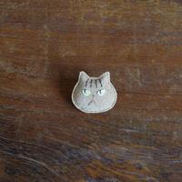 猫ブローチ 茶トラ 顔