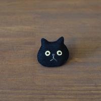 猫ブローチ 黒 顔