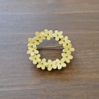 花かんむりブローチ カタバミ
