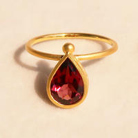 Cure Drop  { Ring }  garnet. K18