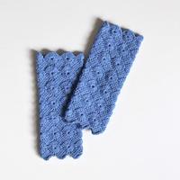手編み アームウォーマー (ウール×綿) イタリア産 レース糸  サックスブルー 長さ20cm oz and made