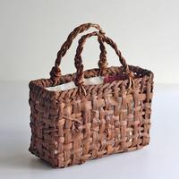 山葡萄のかごバッグ   あけびハンドル 26cm幅 内袋付き 国産(岩手県産樹皮)