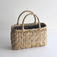 沢胡桃のかごバッグ  網代編み 手提げ籠  表皮 丸みシルエット