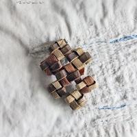 沢胡桃×山葡萄のブローチ/ 小さめサイズ /ozbro-124