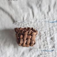 山葡萄のブローチ/ 小さめサイズ /ozbro-131