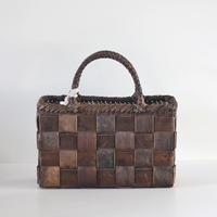 沢胡桃のかごバッグ『フト編み 市松 裏皮』 36cm幅 手提げ籠