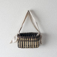 壁掛け籠 ハガキ収納や花器に / 沢胡桃樹皮 / クルミのカゴ / ozb-781