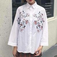 大人気☆花柄 刺繍 白 シャツ ピンク系小花 ホワイト ブラウス