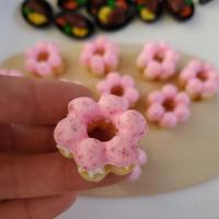 「ポン・デ・リング風いちご&ホイップ」つぶつぶいちごとホイップが食欲をそそります!