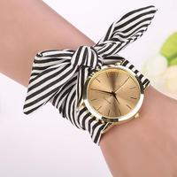 女性腕時計 ストライプ花布バンド ダイヤルブレスレットクォーツ腕時計 125