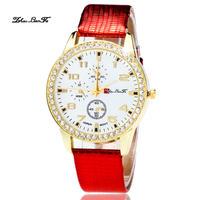 ファッション女性のステンレス鋼腕時計 カラフルな革 バンド時計用ラインストーン 145