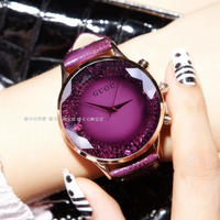 GUOU ブランドクォーツレディー腕時計 ラインストーン 防水 女性の腕時計 本革 高級大型ダイヤル 151