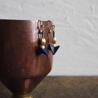 pecoranera original costume jewelry /vintage pop  earring