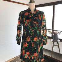 vintage fashion/黒と朱色ボウタイワンピース