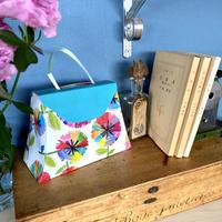 ちょっとしたお礼の品に*ギフトボックス完成形でのお届け*虹花ミニタオル(バッグ型ギフトボックス付き)