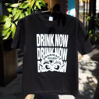 タツヲ「DRINK NOW」Tシャツ(ブラック)