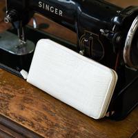 ラウンドファスナー長財布カード12枚タイプ クロコダイル/ピュアホワイト