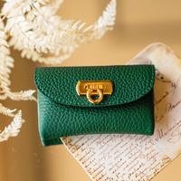やわらかなレザーフラップ mini財布 トリヨンクレマンス/エメラルド