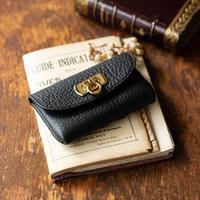 やわらかなレザーフラップ mini財布/ブラック