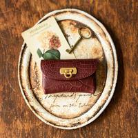 やわらかなレザーフラップmini財布  クロコダイル/ボルドー