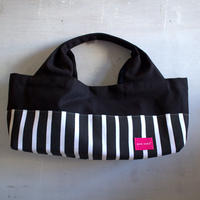 柄は画像通り!boat shape tote bag / black stripe