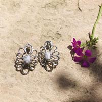 muuyaw ハウライトflower pierce