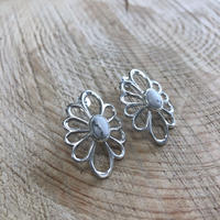 muuyaw flower pierce