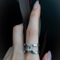 Happiness of the loop ring-concave cut crystal-