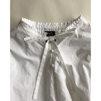 pot and tea front-ribbon frill blouse
