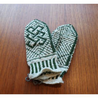 handknitted mitten from Sweden forest green
