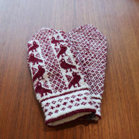 handknitted mitten from Sweden burgundy bird