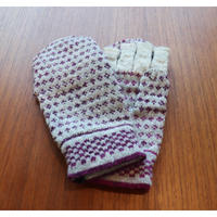handknitted mitten from Sweden grape dot