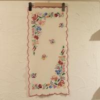 ハンガリー カロチャ刺繍 テーブルクロス 花束と小花3