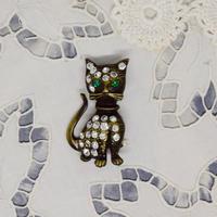 チェコ キラキラと豪華な猫さんのブローチ