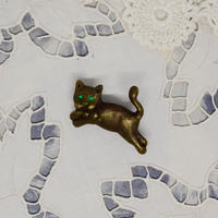 チェコ ぷっくり猫さんのブローチ