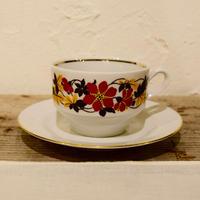 旧東ドイツ 落ち着いた花模様のカップ&ソーサー