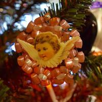 チェコ サテンガラスのオーナメント 横顔の天使 ピンク