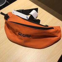 DENIMS / 3Dロゴ刺繍ベルトバッグ(オレンジ)