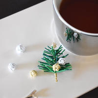 【録画レッスンのみ承り中】水引のクリスマスツリーブローチ