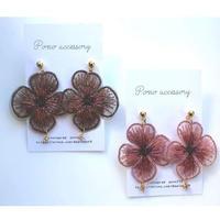 お花の刺繍アクセサリー