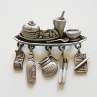 JJ / Jonette Jewelry company ランチタイム ヴィンテージブローチ
