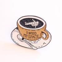 I need my space ひとりの時間が欲しい人のためのピンバッチ