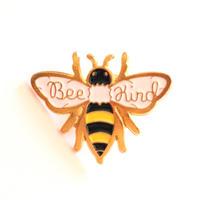 Bee Kind 親切でいよう ミツバチのバッジ/ブローチ