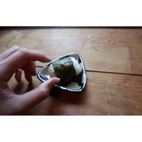 はじめての濱田窯 > さんかく豆々皿・白か黒