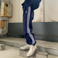 adidasナイロンパンツ