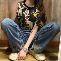 ルーニー・テューンズ総柄Tシャツ