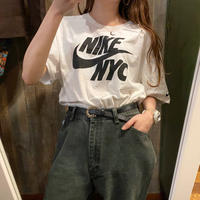 NIKEロゴプリントTシャツ